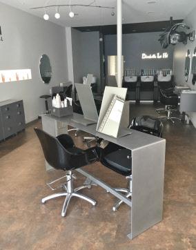 Meuble m tal tables m talliques cr ateur de meubles sur - Salon de la coiffure porte de versailles ...