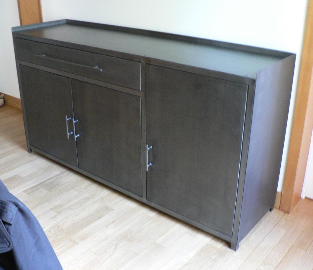 Nouvelles cr ations de meubles en m tal sur mesure for Idee deco sur bahut