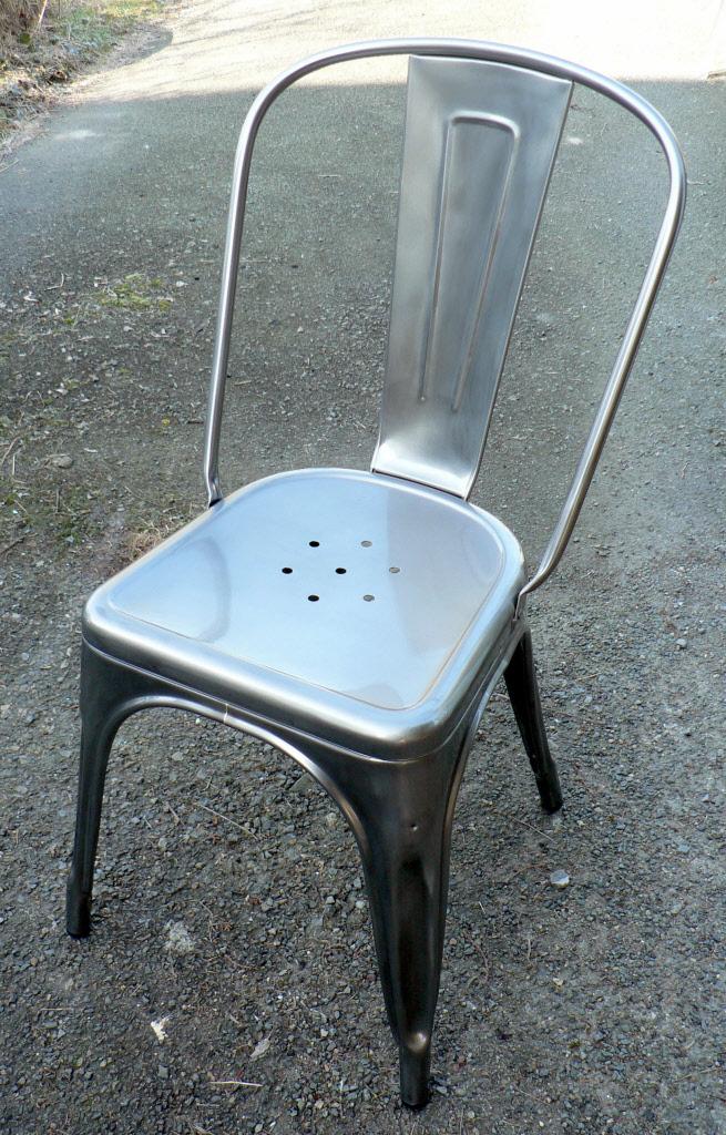 tolix chaises a fauteuils et tarourets au design intemporel. Black Bedroom Furniture Sets. Home Design Ideas