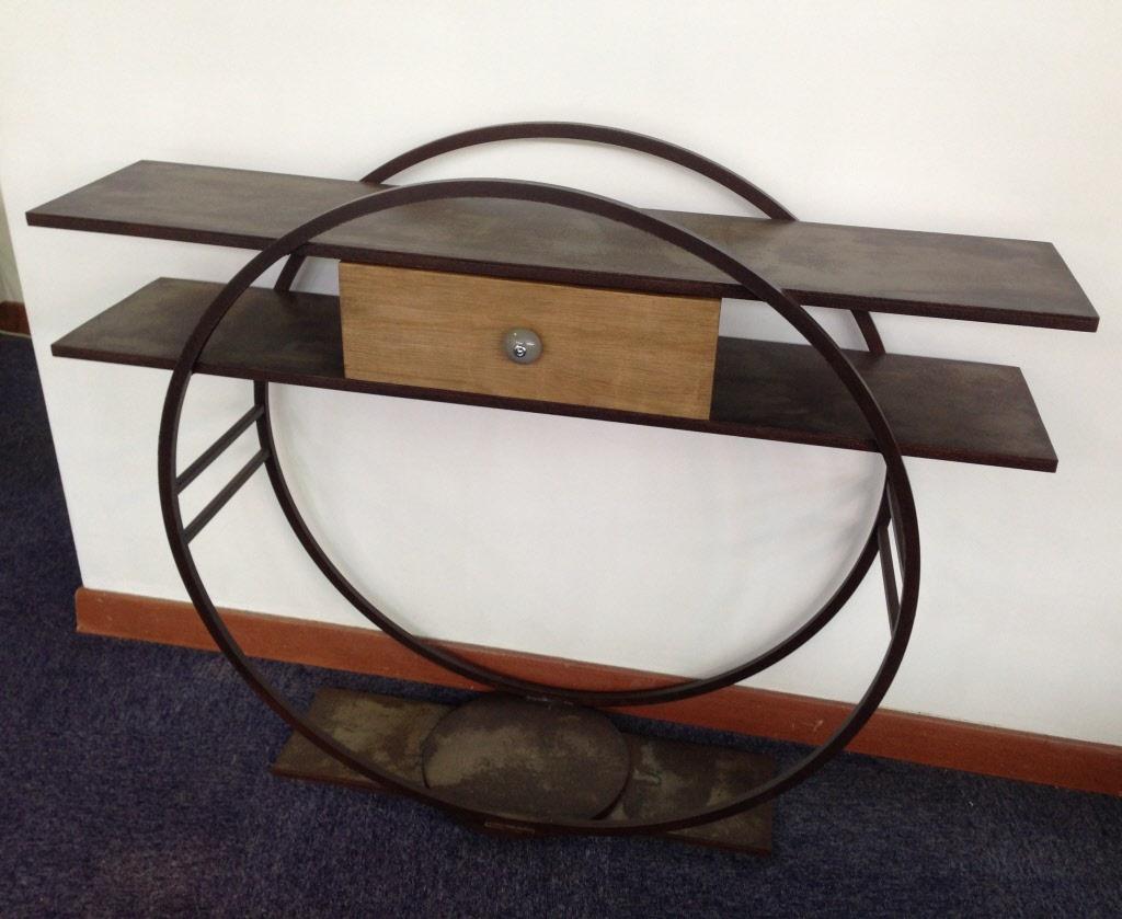 console design en metal avec un tiroir bois massif. Black Bedroom Furniture Sets. Home Design Ideas