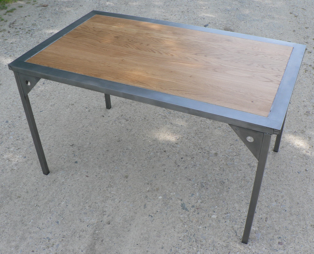 Table a rallonges design loft metal et bois - Table a manger metal et bois ...