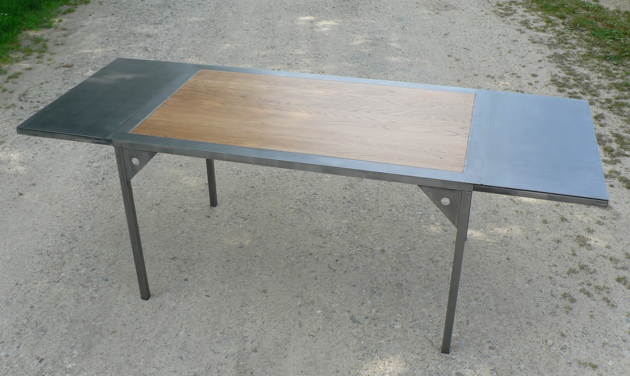 Table a rallonges design loft metal et bois for Table bois metal rallonge